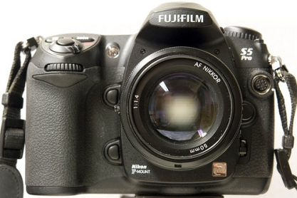 Fujifilm Finepix S5 Pro © Flickr /arne.list