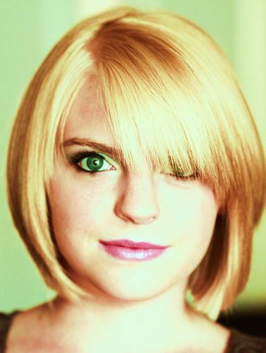 Feinem Haar kann mehr Volumen geschenkt werden © flickr / Pink Sherbet Photography